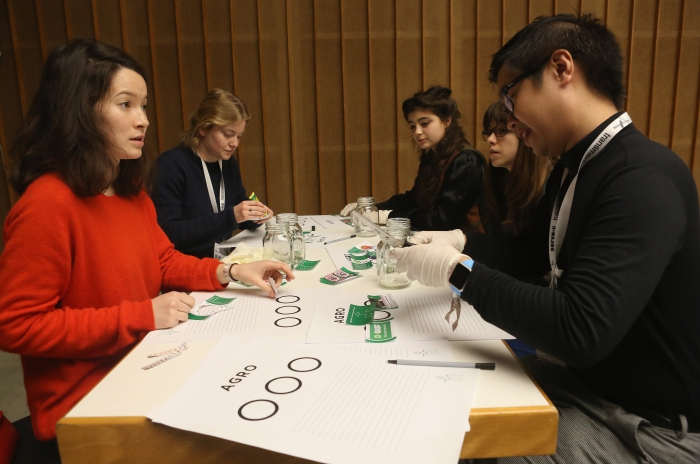 Xenopolitics #1: Petro-bodies and Geopolitics of Hormones (Part 1), transmediale 2017