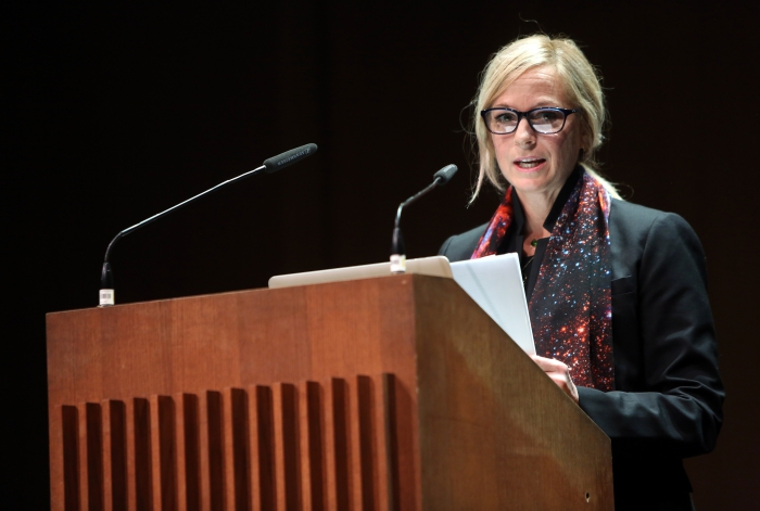 "Lisa Parks at ""Becoming Infrastructural – Becoming Environmental"", transmediale 2017"