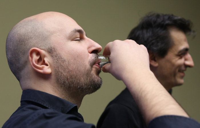 Xenopolitics #1: Petro-bodies and Geopolitics of Hormones by aliens in green